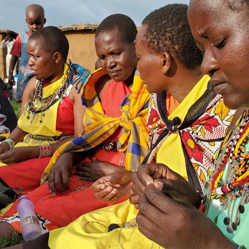 Beadmaking with Maasai Women